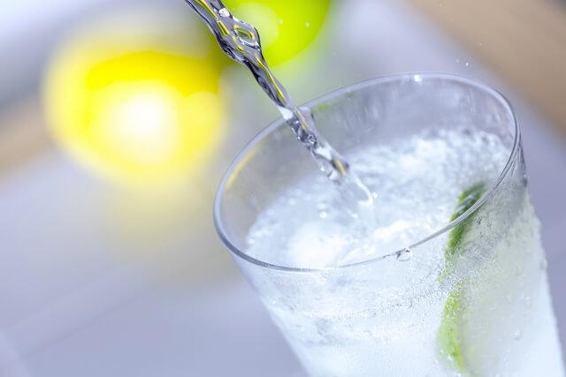 炭酸水を飲むと血流がよくなる?!新陳代謝を上げる炭酸水の力!手作り炭酸バスボム