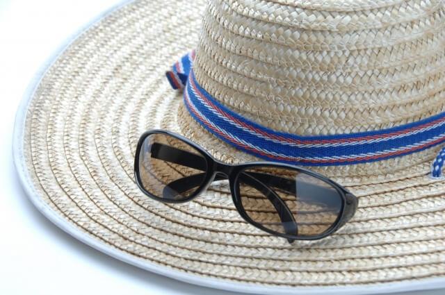 熱中症対策-サングラスと帽子