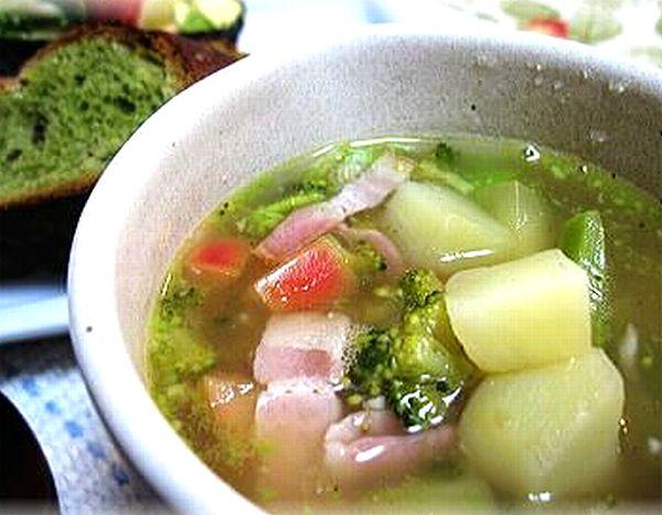 りんごと玉ねぎを使った解毒スープ写真