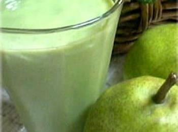 洋梨のスムージー。アボカドとバナナと小松菜で♪