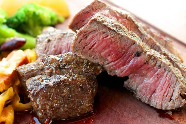 ステーキも体内酵素を減らす食品