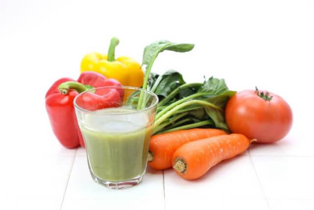 食物繊維たっぷりの「ファイバースムージー」で腸内環境正常化!