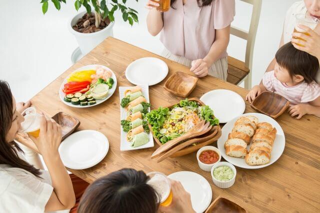 何時に食事を摂れば効果的!?免疫力を上げる 酵素の活動リズム