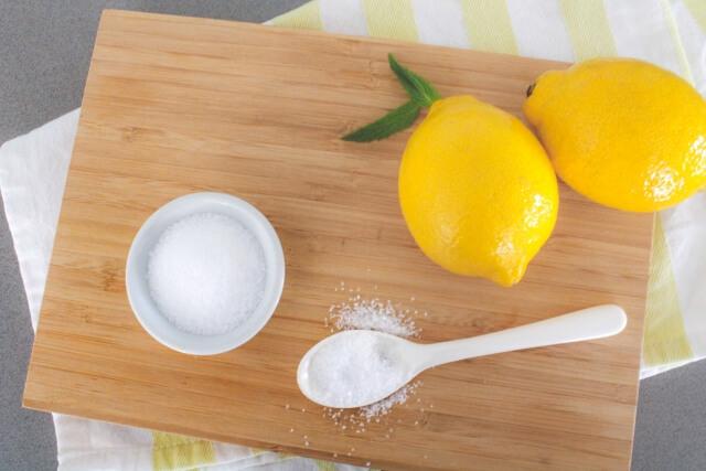 疲労回復にはレモンや酢のクエン酸で乳酸を分解させましょう