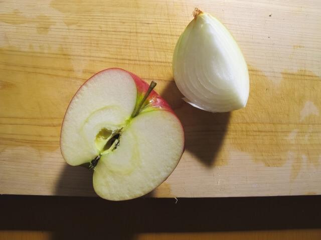 玉ねぎとリンゴ