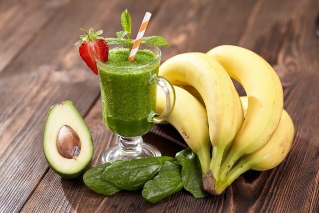 朝食で補酵素を摂る!手作りアボカドバナナスムージーの作り方